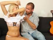 Boyfriend finds her cheating hard